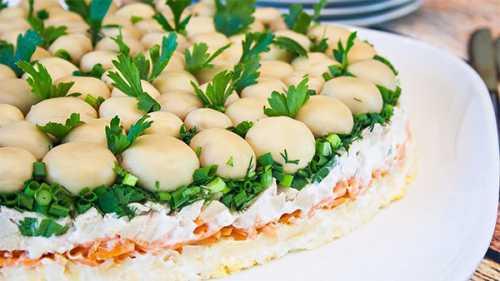 салат с горошком консервированным