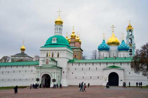 как добраться и доехать до аэропорта пулково со станции метро московская общественным транспортом