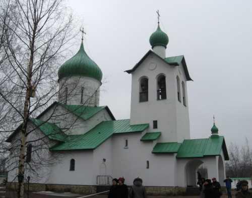 средняя зарплата строителя, каменщика и отделочника в москве в 2019 годах